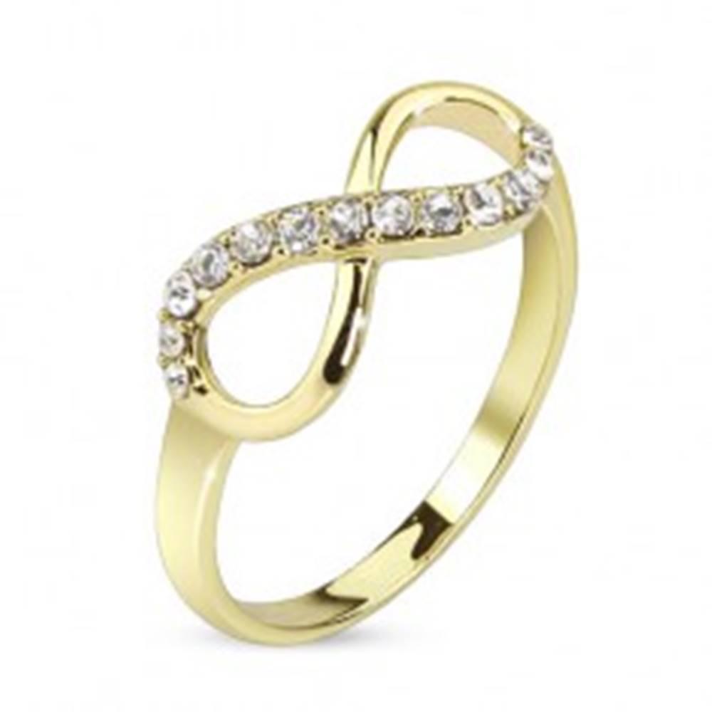 Šperky eshop Prsteň zlatej farby, symbol nekonečna zdobený čírymi zirkónmi - Veľkosť: 48 mm