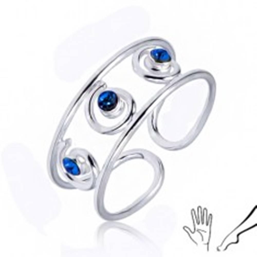 Šperky eshop Strieborný prsteň 925 na ruku alebo nohu, tri modré zirkóny v špirálach