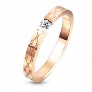 Snubný prsteň z ocele - číry zirkón, medená farba, jemné gravírovanie - Veľkosť: 49 mm