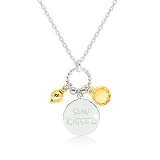 """Lesklý strieborný 925 náhrdelník - známka s nápisom """"SUN KISSED"""", slniečko a guľôčka v zlatej farbe"""