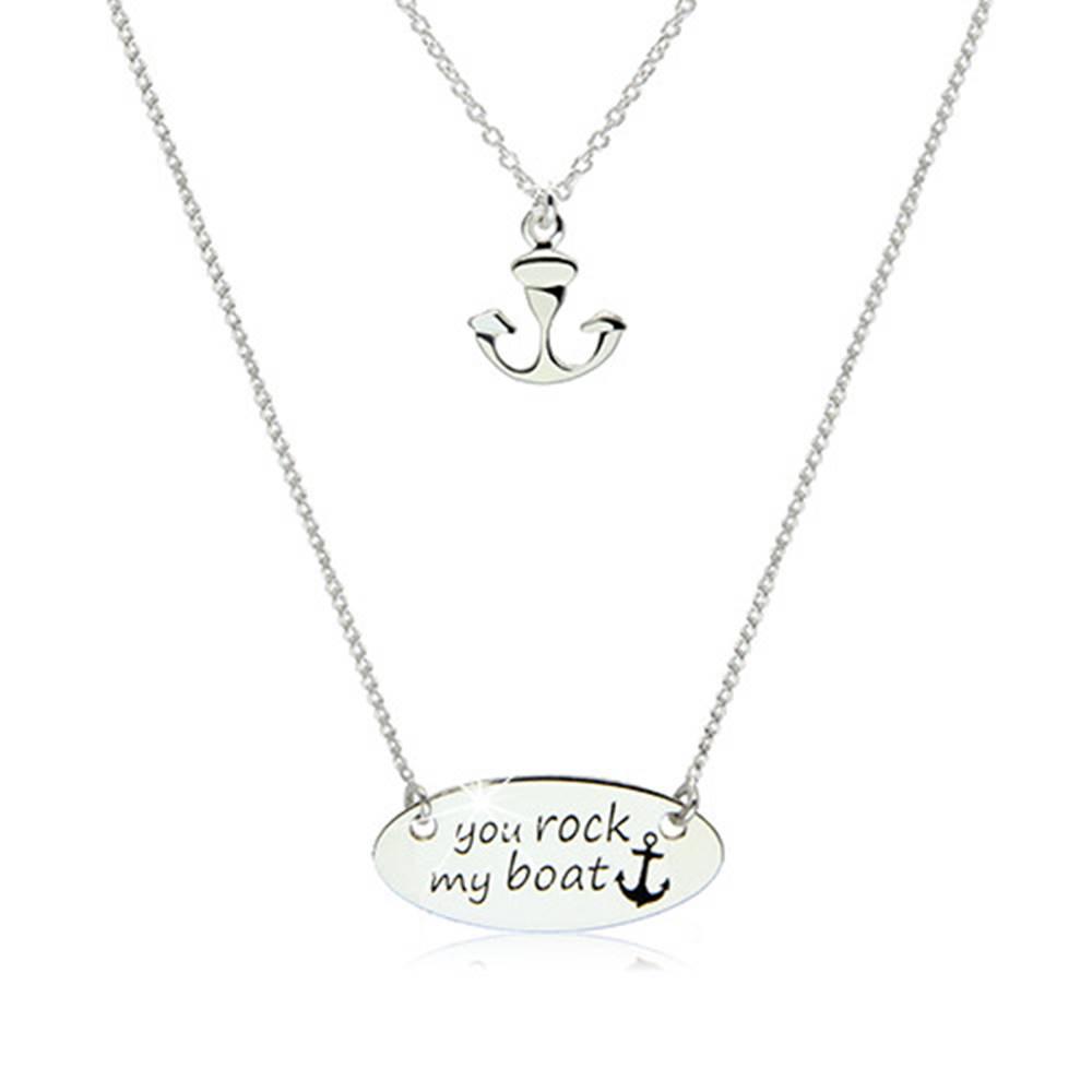 Šperky eshop Strieborný 925 náhrdelník - lesklá známka s ozdobným nápisom a kotvička