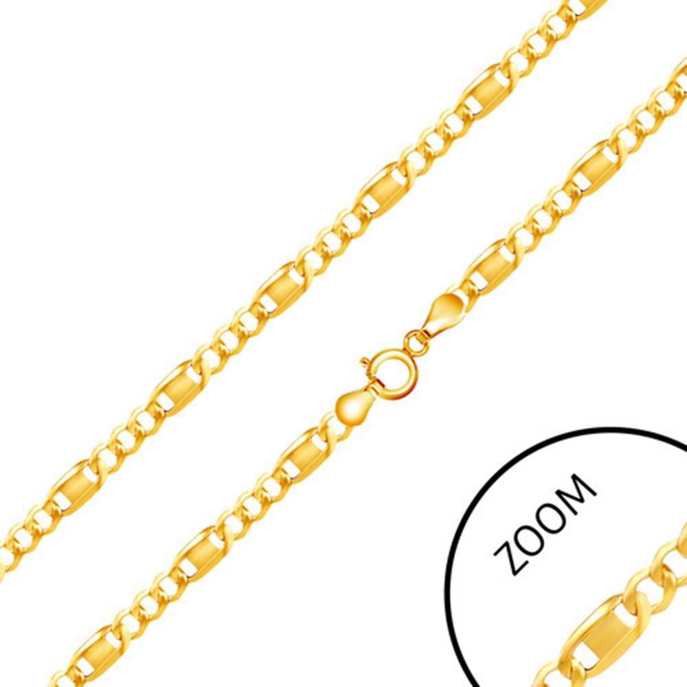 Šperky eshop Retiazka v žltom 14K zlate - tri oválne očká, podlhovastý článok zdobený známkou, 500 mm