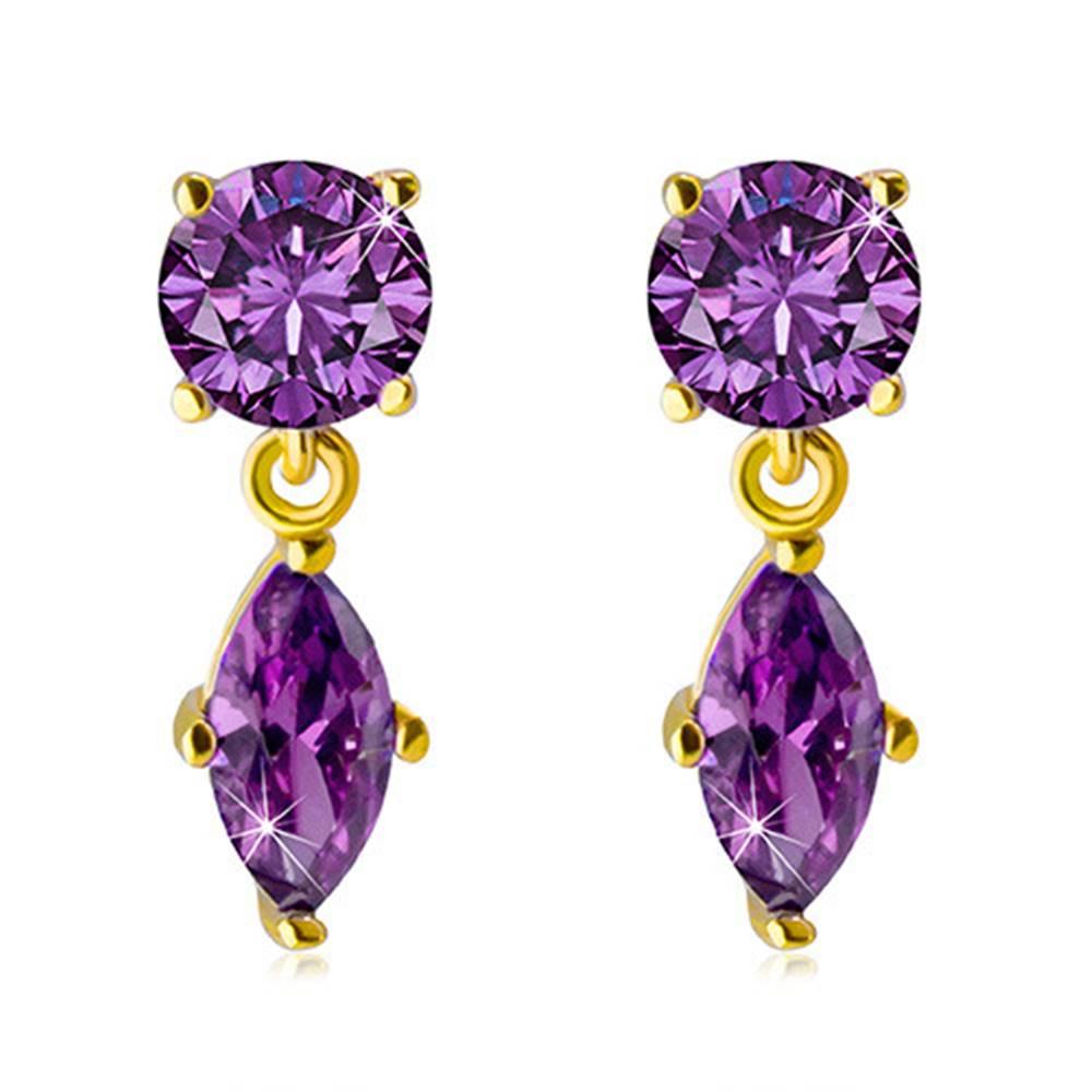 Šperky eshop Zlaté náušnice 585 - trblietavé zirkóniky fialovej farby v kotlíkoch s výrezmi