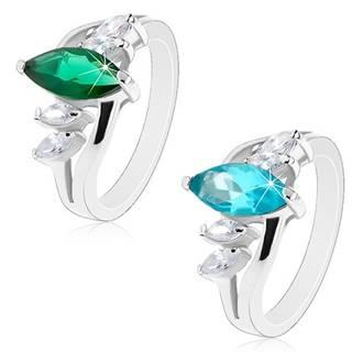 Prsteň striebornej farby, zvlnené ramená, ligotavé zirkónové zrnká - Veľkosť: 51 mm, Farba: Smaragdová zelená