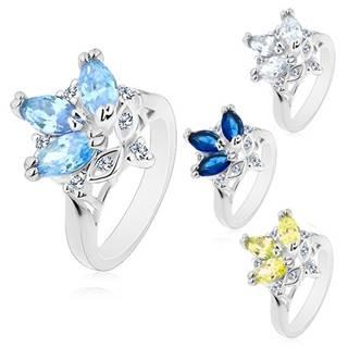 Prsteň s lesklými zúženými ramenami, farebné brúsené zrnká, číre zirkóny - Veľkosť: 49 mm, Farba: Modrá