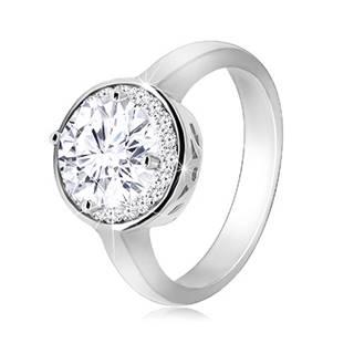 Strieborný prsteň 925 - okrúhly ligotavý zirkón, číry zirkónový lem - Veľkosť: 52 mm